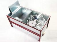 Стол, совмещенный с медогонкой, 4-х рамочный из нержавейки (корпус нержавейка)